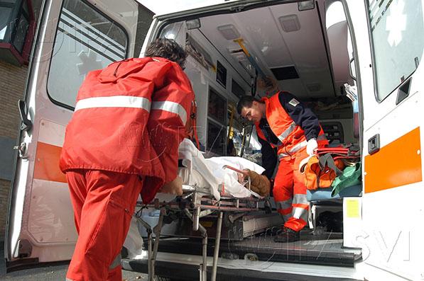 Sul luogo dell'incidente è intervenuto il personale medico del 118