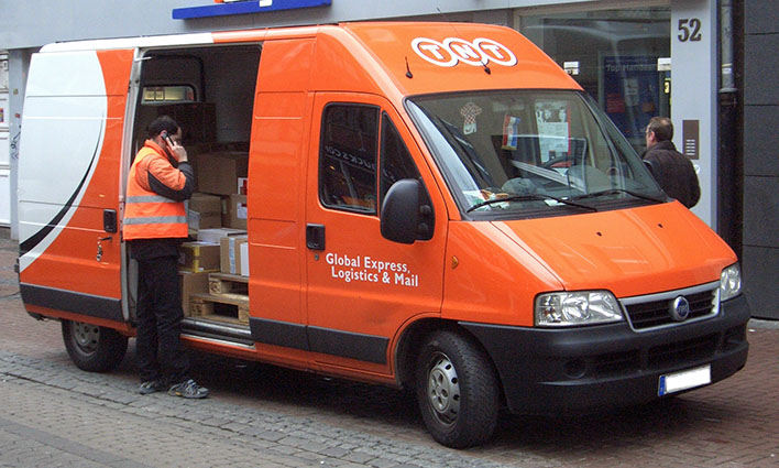 Circumstances which can influence the transit time of international mail and parcels.