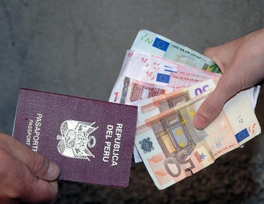 Montanaro, falsificava carte d\'identità e permessi di soggiorno. In ...